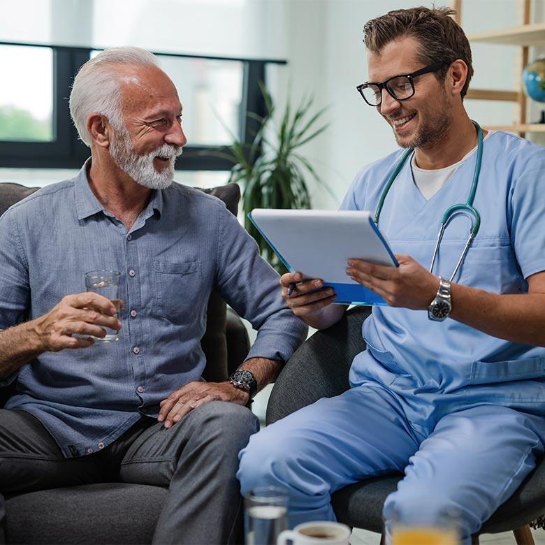 Evaluation de l'état de santé du patient, infirmier à domicile